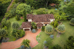 Luxurious 3 BR Playa Negra Colonial Home with Shared Pool