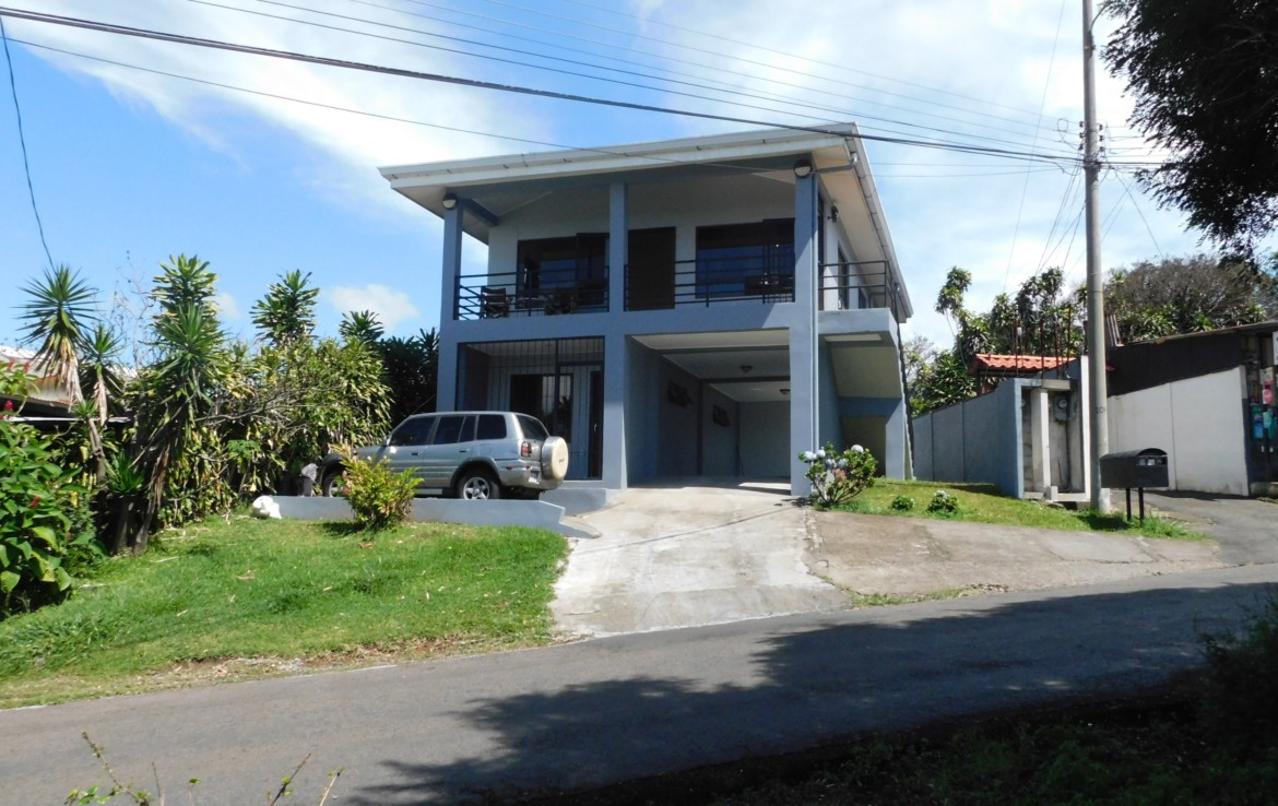 Cajon Grecia 2nd Floor Apartment with Valley Views All Included for Rent