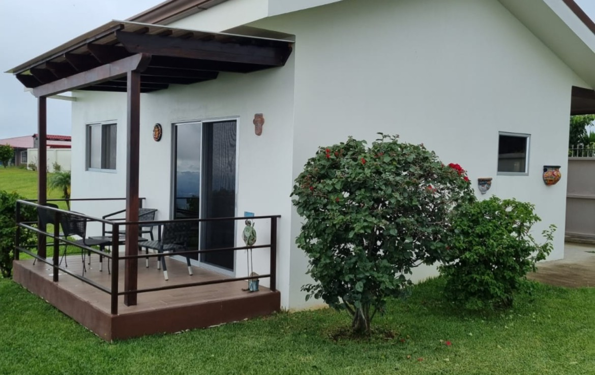 Furnished Breathtaking 2 BR Grecia home for rent in the mountains